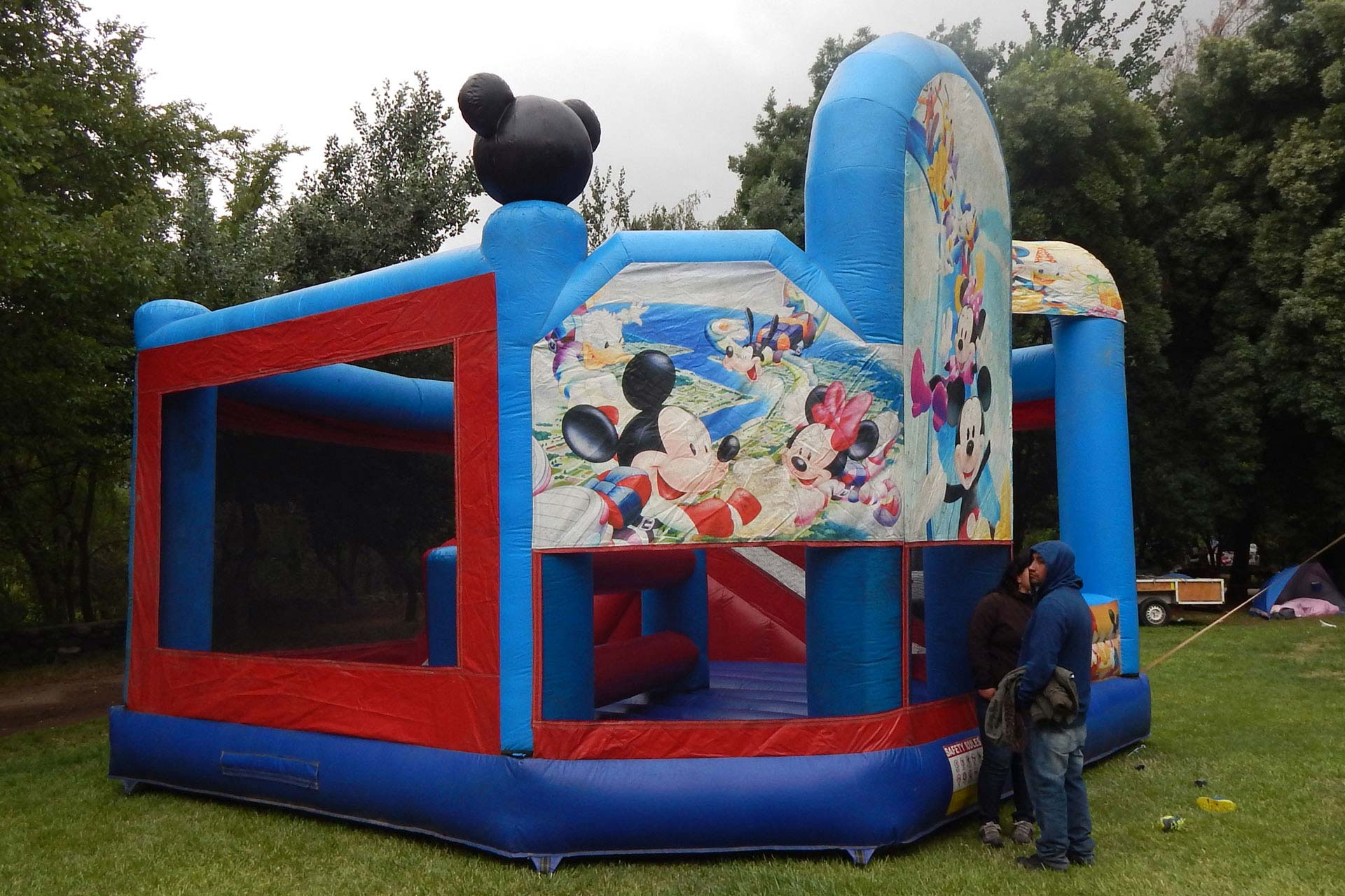 Castillo Casa Club Mickey Mouse